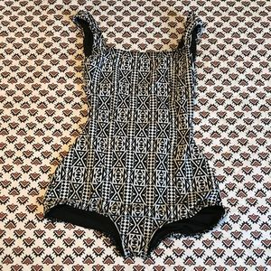 New Seea one piece swimsuit sz. Small
